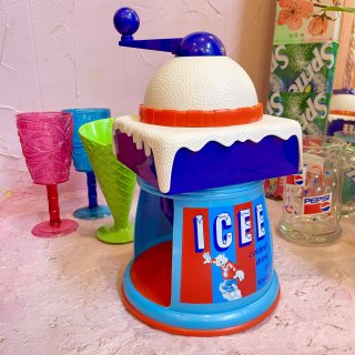 <img class='new_mark_img1' src='https://img.shop-pro.jp/img/new/icons50.gif' style='border:none;display:inline;margin:0px;padding:0px;width:auto;' />ICEE Shave Ice Machine