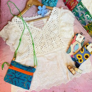 <img class='new_mark_img1' src='https://img.shop-pro.jp/img/new/icons4.gif' style='border:none;display:inline;margin:0px;padding:0px;width:auto;' />Butterfly Sleeve Crochet Tops