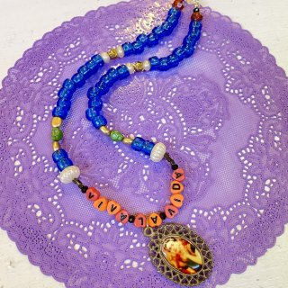 <img class='new_mark_img1' src='https://img.shop-pro.jp/img/new/icons4.gif' style='border:none;display:inline;margin:0px;padding:0px;width:auto;' />Chunky Beaded Choker