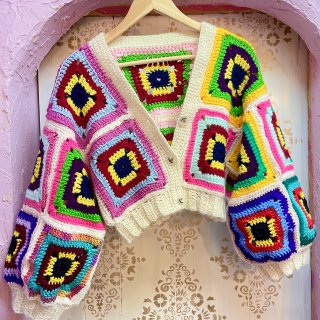 <img class='new_mark_img1' src='https://img.shop-pro.jp/img/new/icons4.gif' style='border:none;display:inline;margin:0px;padding:0px;width:auto;' />Granny's Squared Cardi