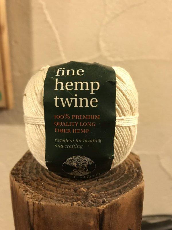fine hemp twine 白 (細)