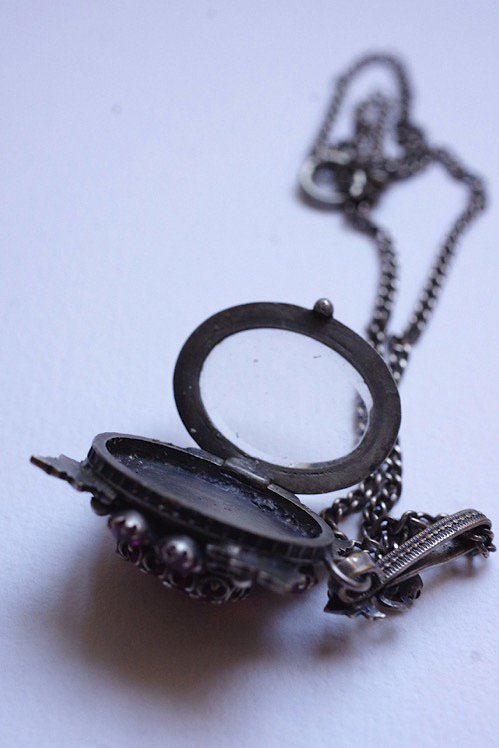 collier antique アンティークペンダント ロケット