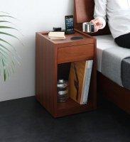 コンセント・収納・コンパクトサイズナイトテーブル【Giocatore】ジョカトーレ ベッド