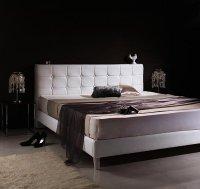 モダンデザイン・高級レザー・大型ベッド【Strom】シュトローム 脚付きベッド レッグベッド