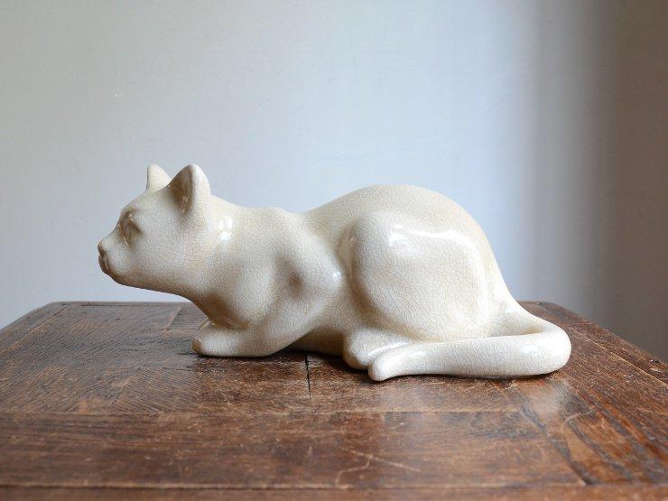 ネコモチーフ 陶器オブジェ(H11×W25)