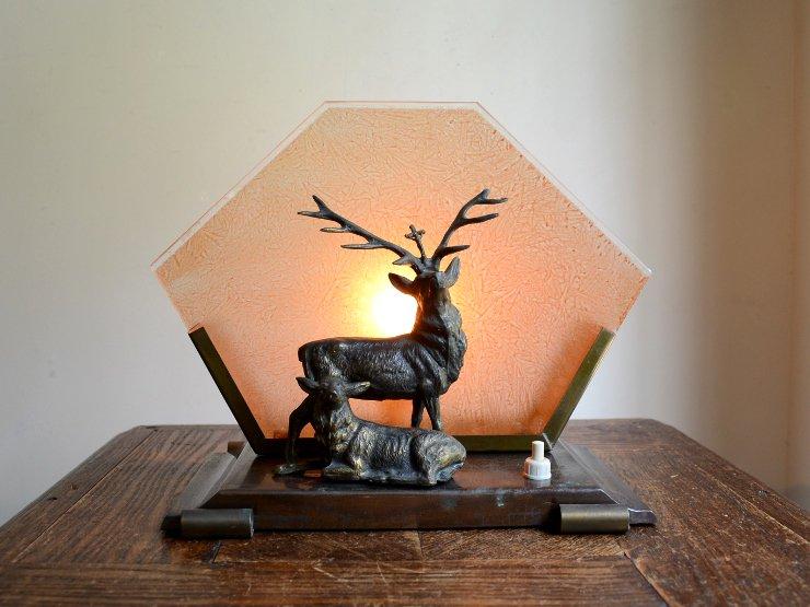 アンティーク 鹿モチーフ ガラス付きテーブルランプ