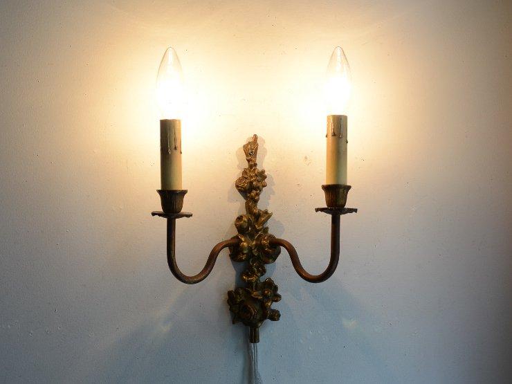 アンティーク フラワーモチーフ真鍮ウォールランプ