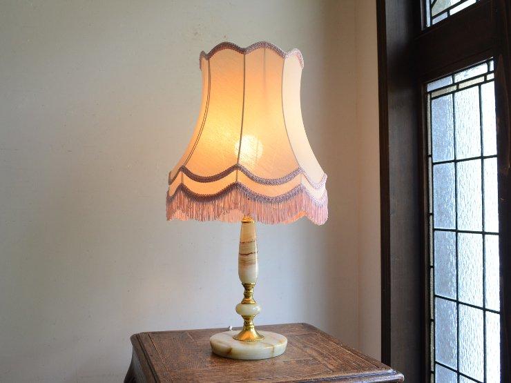 フリンジシェード付 マーブルテーブルランプ(H57cm)