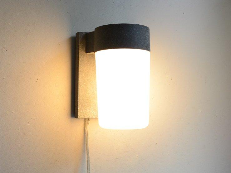 ヴィンテージ ミルクガラスウォールランプ(外灯)※直付専用