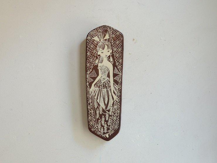 女性モチーフ木製ウォールデコレーション