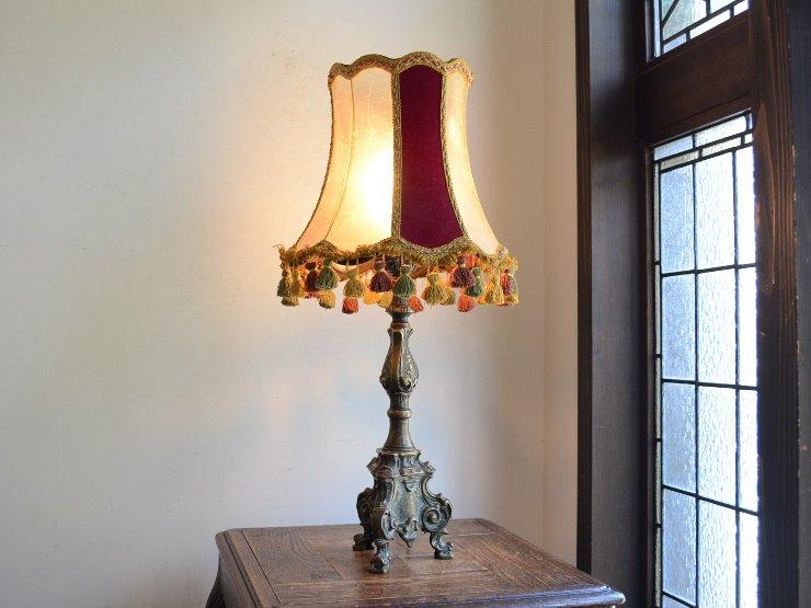 タッセル付レザーシェード 真鍮テーブルランプ(H63cm)