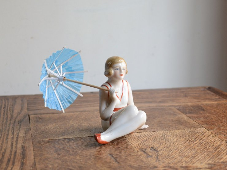 [new] 女性モチーフ 陶器オブジェ (パラソル)