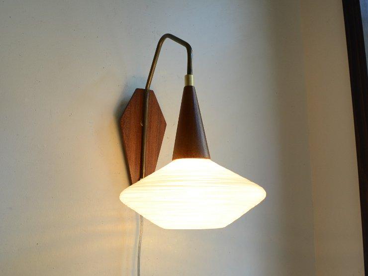 [new] ヴィンテージ デザインガラス 木製ウォールランプ