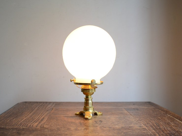 [new] 丸形ガラスシェード付き 真鍮ライト