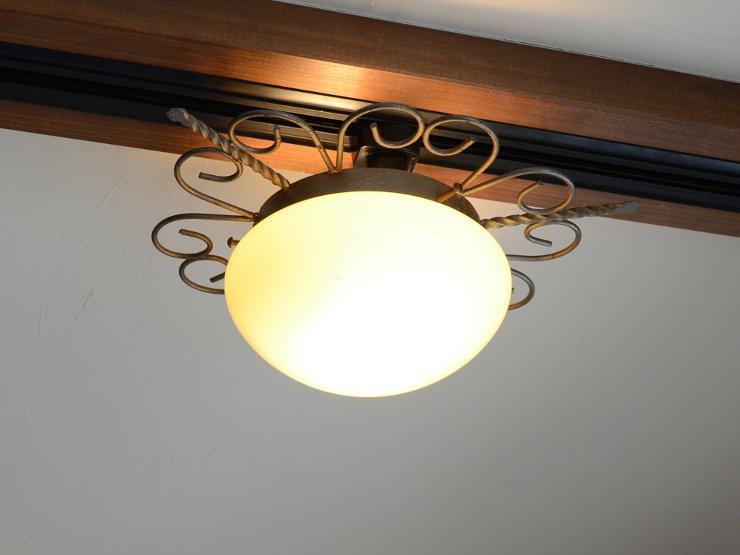 ヴィンテージ ミルクガラス アイアンランプ(天井照明)※直付専用