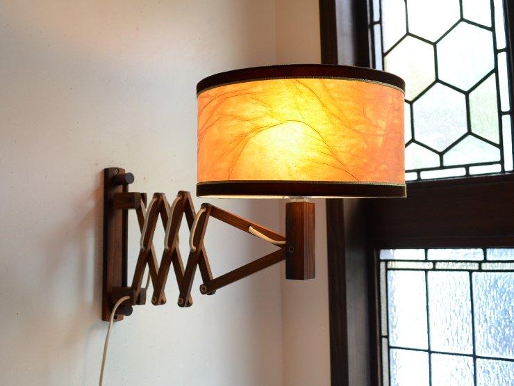 [new] ヴィンテージ シェード付木製シザーウォールランプ