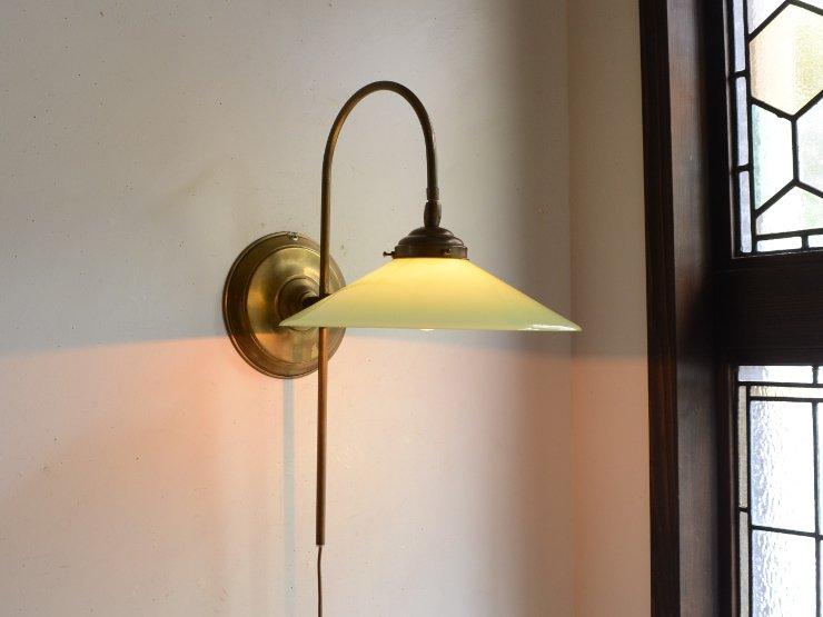 ヴィンテージ ミルクガラス 真鍮ウォールランプ