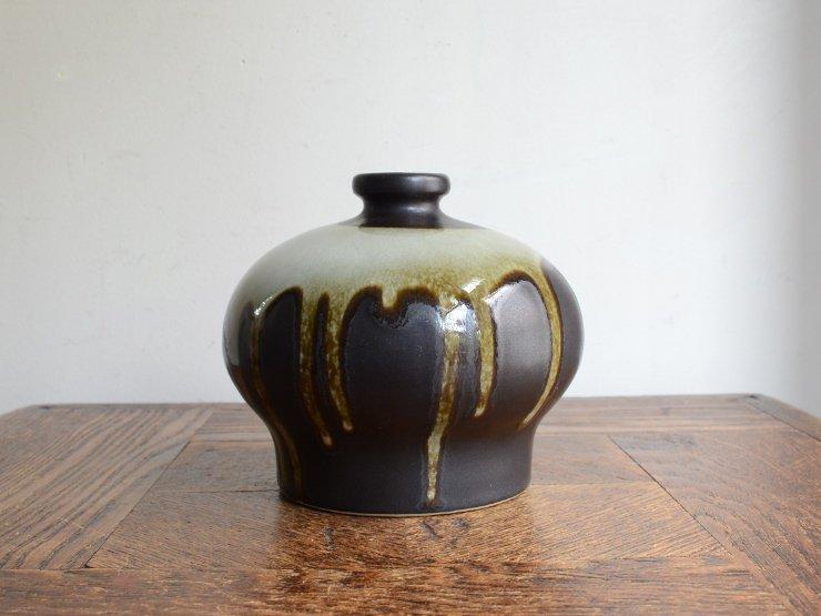 [new] ヴィンテージ 陶器フラワーベース(H10.5cm)