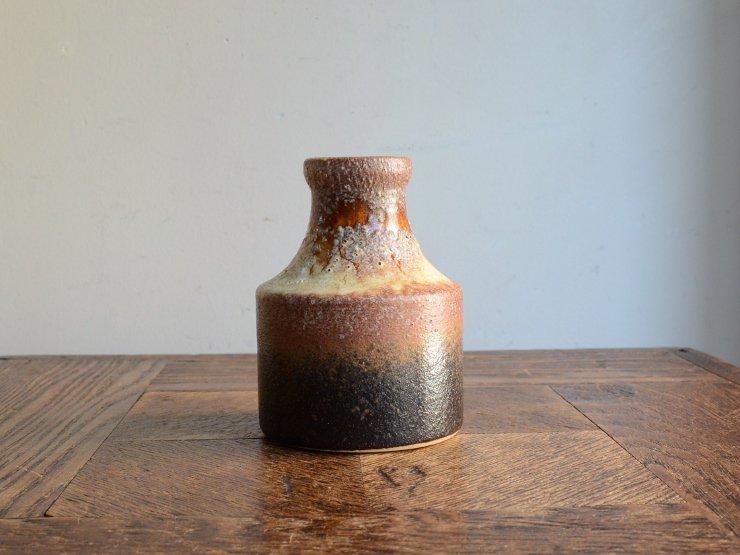 [new] ヴィンテージ 陶器フラワーベース(H10cm)