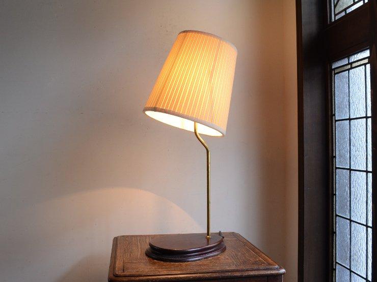 [new] プリーツシェード付き木製テーブルランプ(H59.5cm)