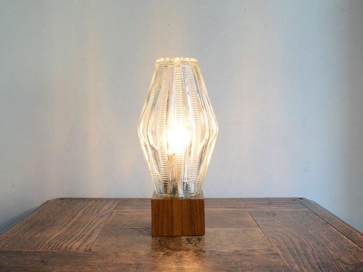 [new] ヴィンテージ ガラスシェード付 木製テーブルランプ