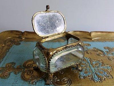 1800年代後半 クリスタル猫足ジュエリーケース