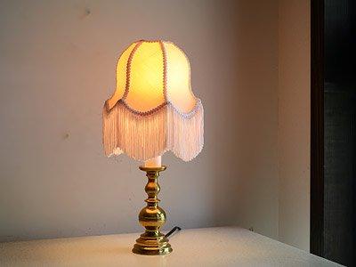 フリンジシェード付 真鍮テーブルランプ