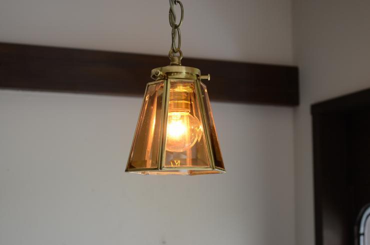 6面アンバーガラス 真鍮ペンダントランプ