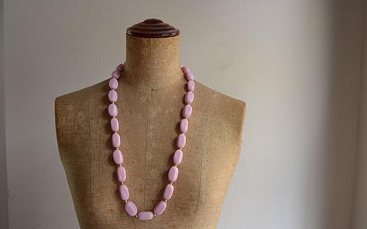 ヴィンテージ ピンク色ビーズネックレス