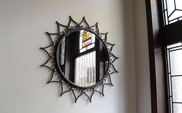 ヴィンテージ アイアン 太陽モチーフ壁掛けミラー