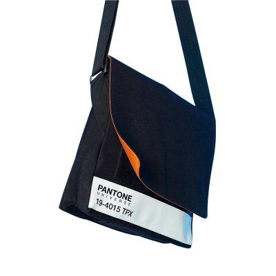 W2 (ダブルツー) PANTONE MESSENGER BAG(BLACK)