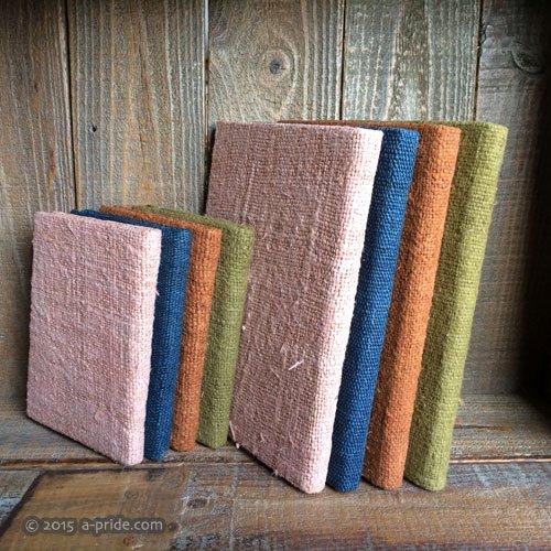 草木染め手織り生地とロクタ紙のノートブック