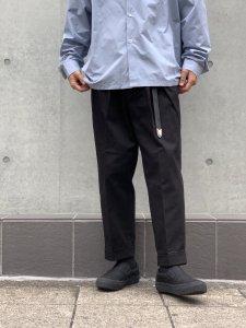 ARTIFICIAL SWEETENER (アーティフィシャルスウィートナー) 2タックテーパードパンツ BLACK
