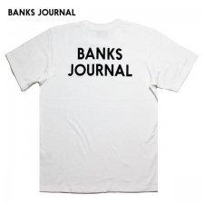 【40%OFF】BANKS (バンクス) JOURNAL TEE(プリント半袖TEE) WHITE