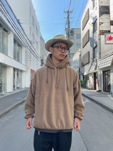 REMI RELIEF (レミレリーフ) ソフトフリースパーカー BROWN