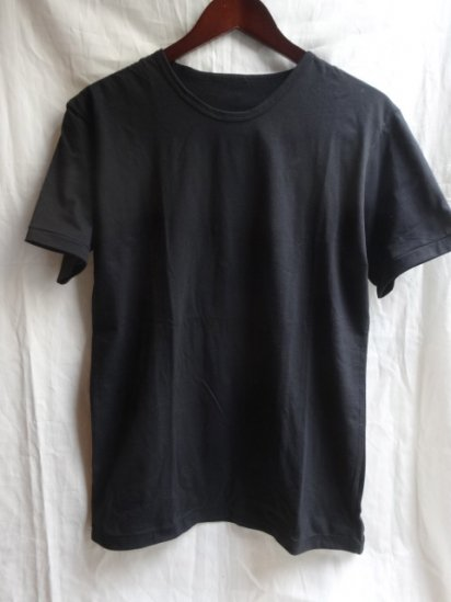 Made in Britain<BR>Binder Crew Neck T-Shirts Black