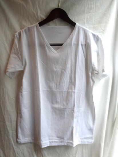 Made in Britain<BR>Binder V Neck White
