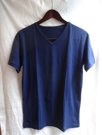 Made in Britain<BR>Binder V Neck Navy