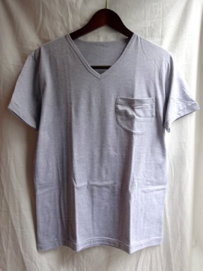 Made in Britain<BR>Binder V Neck Pocket Gray
