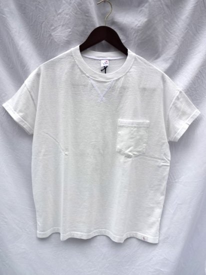 Cal Cru Relaxed Fit Front V Gusset Pocket Tee Made in U.S.A White