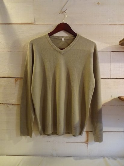 Made in England Wool Knit V Neck Sweater <BR> SALE! 6,800 + Tax → 3,800 + Tax