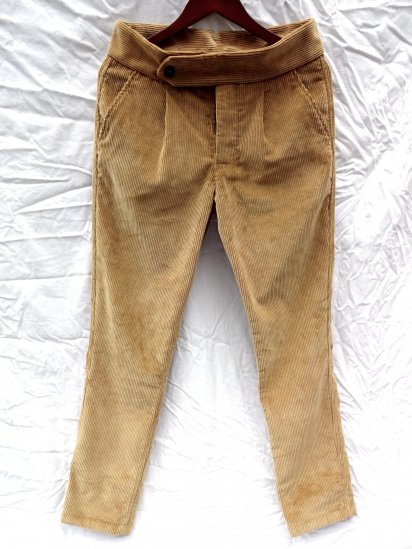 S.E.H KELLY LANCASTRIAN CRUISERWEIGHT CORDUROY Slim Trousers Made in England SINNAMON