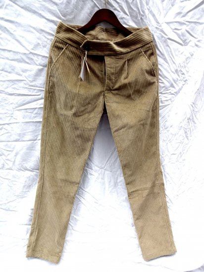 S.E.H KELLY LANCASTRIAN CRUISERWEIGHT CORDUROY Slim Trousers Made in England WHEAT