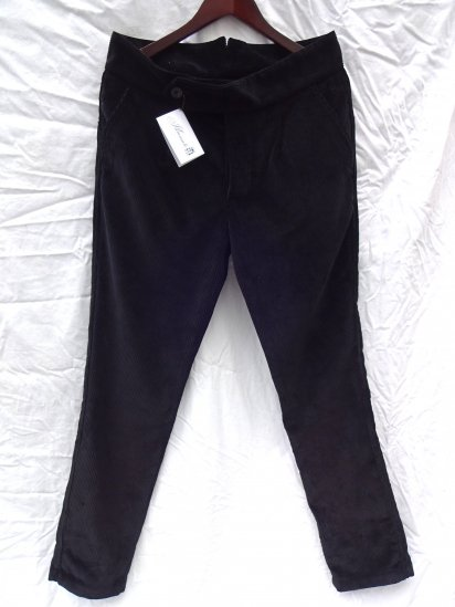 S.E.H KELLY LANCASTRIAN CRUISERWEIGHT CORDUROY Slim Trousers Made in England BLACK