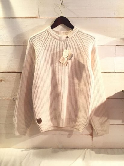 Alan Paine England Geelong Wool Crew Neck Rib Sweater<BR>SALE! 17,800 + Tax → 1,0680 + Tax