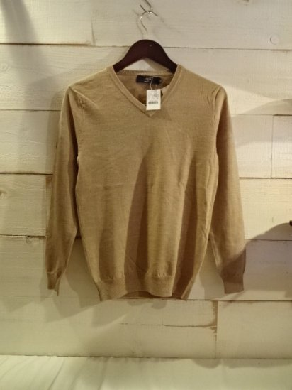 J.Crew Merino Wool Knit V-Neck Sweater<BR>SPECIAL PRICE 3,900+Tax