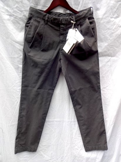 RICCARDO METHA Garment Wash Poplin 2 Tuck Tapered Trousers<br>Made in Italy Charcoal (Faded Black)