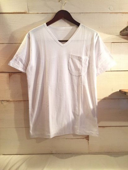 Made in Britain Binder V Neck Pocket Tee White<BR>SALE! 4,800 + Tax → 2,880 + Tax