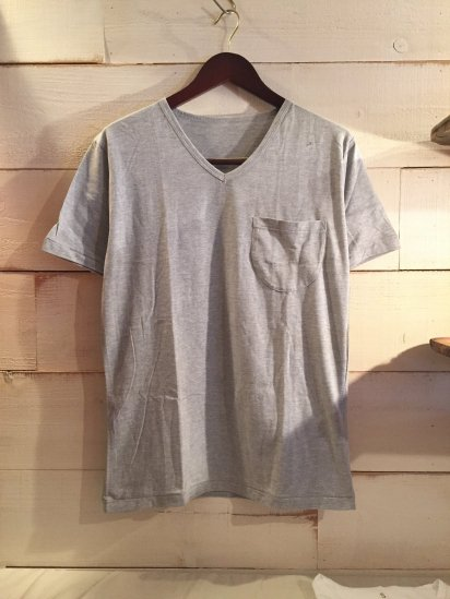 Made in Britain Binder V Neck Pocket Tee Gray<BR>SALE! 4,800 + Tax → 2,880 + Tax