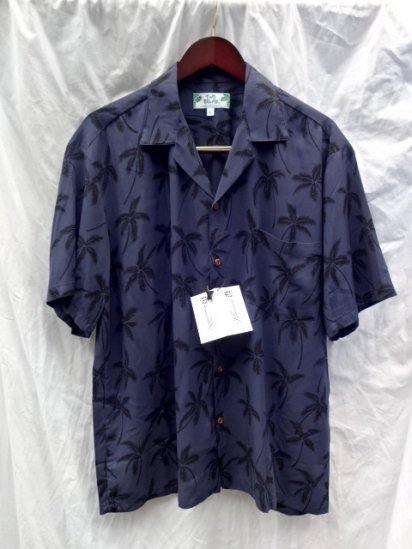TWO PALMS Aloha Shirts Made in Hawaii  <BR> Pineapple  Navy × Black